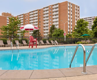 Pine Ridge Apartments, Willoughby Hills, OH