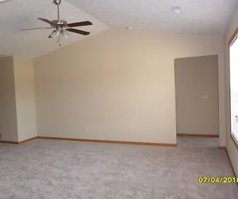 Living Room, Maple Ridge Villas