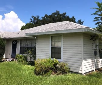 1843 SE Vesthaven Ct, River Park, Port Saint Lucie, FL