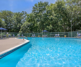 Pool, Meadow Ridge Apartments