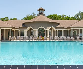 Pool, The Oaks at Wilmington Island