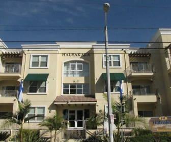 Building, Haleakala Luxury Apartment Homes