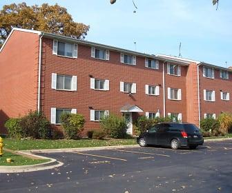 381 - 384 Oak Trails Road, Chippewa Middle School, Des Plaines, IL