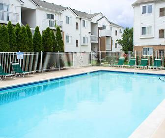 Chestnut Court Apartments, Franklin Middle School, Wayne, MI