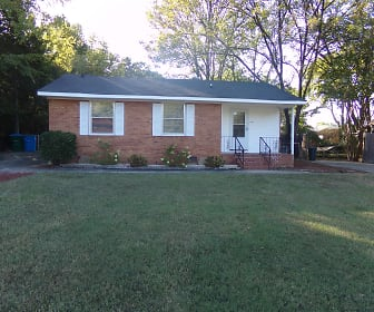 1108 Lakeview Dr, Pineville, NC
