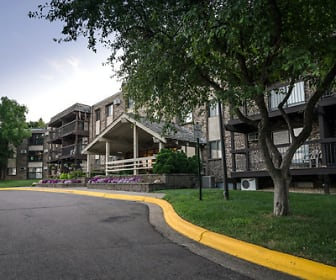 Building, Oakridge Apartments
