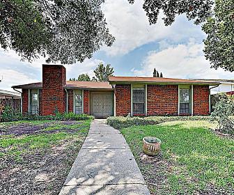 243 Woodhurst Dr, Coppell, TX