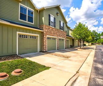 Building, Saddlebrook Townhomes - KS