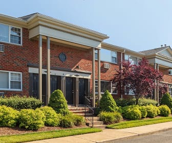 Saddle Brook Apartments, Fairleigh Dickinson University, NJ