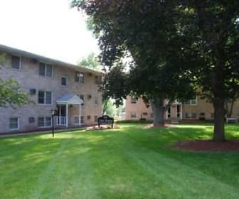 Courtyard, View Pointe Apartments