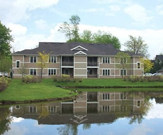 Stonington Apartments, Heim Middle School, Williamsville, NY