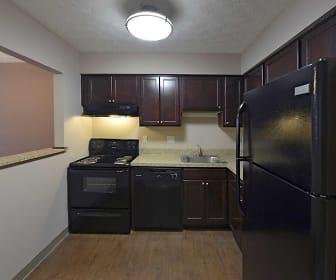 Kitchen, Center Court