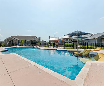 Pool, Cottages At Crestview