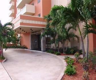 The Gables Corinthian Plaza, Praxis Institute, FL