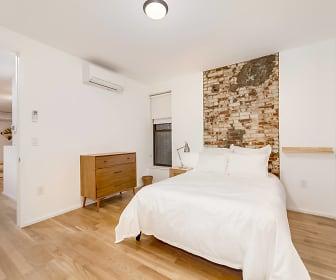 Kingston_Bedroom.jpg, Common Kingston 1509 Pacific St 4R-Cedar