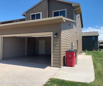2561 E Meadowside Pl, Dell Rapids, SD