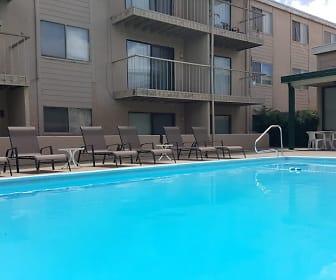 Pool, Prospect Hills