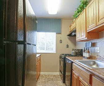 Kitchen, The Verona at Suitland Metro