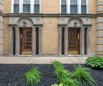 Berteau Manor, North Center, Chicago, IL