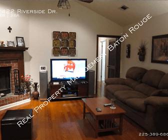 2422 Riverside Dr, Port Allen, LA