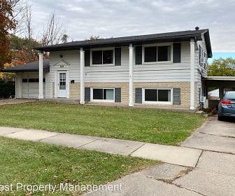 820 Woodside Dr, Peninsula Area, Iowa City, IA