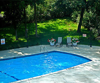 Pool, Oakridge Apartments
