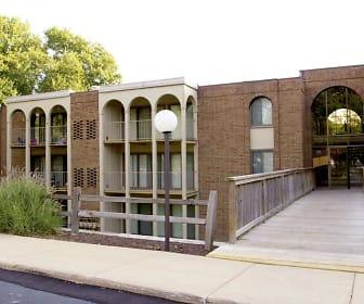 Willow Creek Apartments, Winchell Elementary School, Kalamazoo, MI