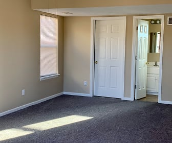 Living Room, 816 NE Westwind Ln Apt A