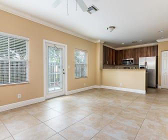 422 NE 1st Ave, Bonnie Lock-Woodsetter North, FL
