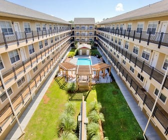 Courtyard, Legacy Student Living
