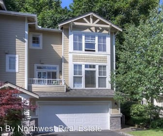 2058 Newport Way NW  17-4, West Lake Sammamish, WA