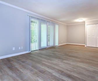 Living Room, Kingston Pointe Apartments