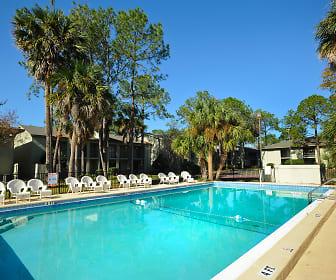 Pool, Oasis Club