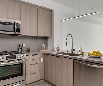 Kitchen, 550 Harborfront