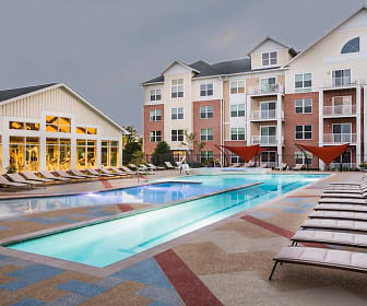 Pool, Duvall Westside