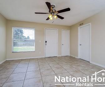129 Magnolia Ave, Seffner, FL