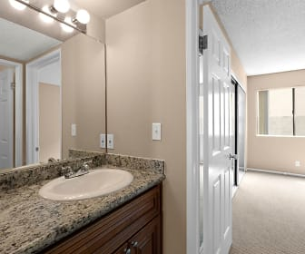 Bathroom, Chatsworth Plaza Apartments