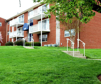 Building, Westgate Apartments And Townhomes