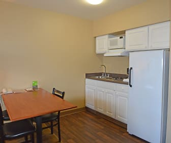 Furnished Studio - Anchorage - Midtown, Alaska Pacific University, AK