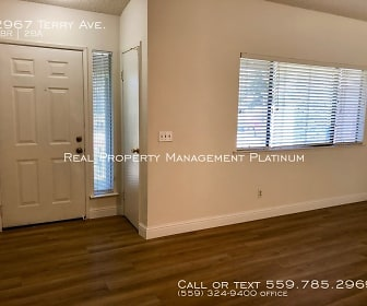 2967 Terry Ave, Laton, CA