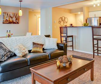The Whimsical Pig Apartments, Spokane Valley, WA