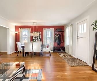 01_Living_Room__MG_1641.JPG, 1729 Trenton Street
