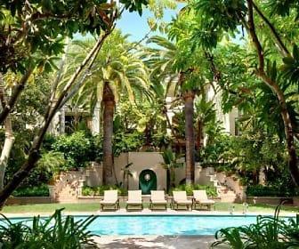 555 Barrington Avenue Apartments, La Riviera, CA
