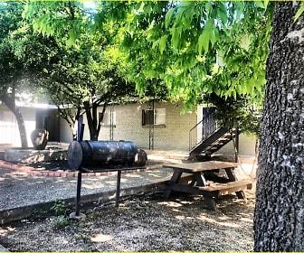 North 40 Apartments BBQ, North 40 and Casa Del Rio Student Apartment Homes