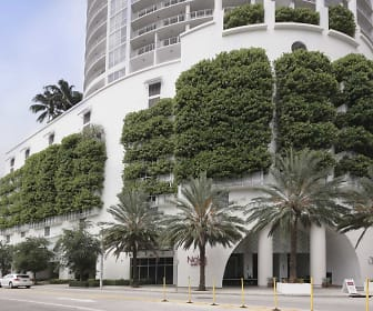 Opera Tower, Dade North, FL