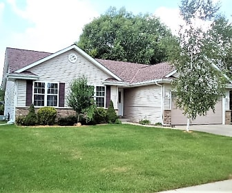 1516 Goldenrod Circle, West Point, WI