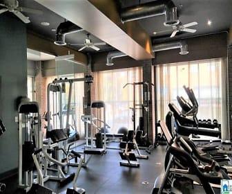 Bristol Fitness 1.jpg, 401 20th Street