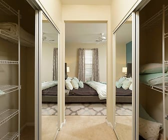 Walk In Closet, Avalon At Arlington Square