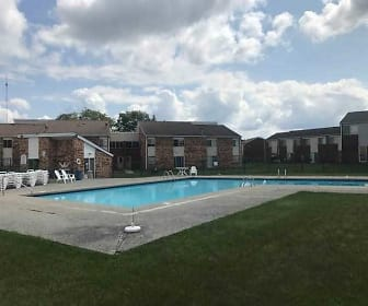 Pool, Franklin Manor Apartments