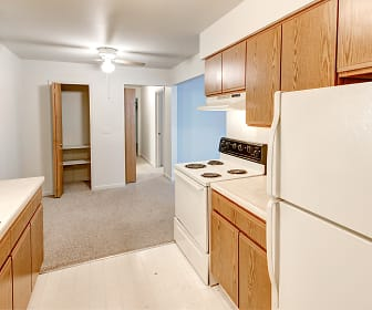 University Place Apartments, Pontiac, MI